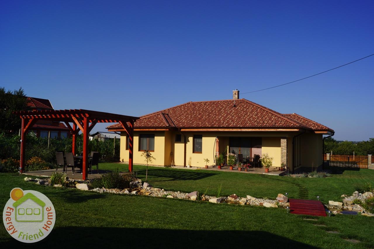 Mediterrán könnyűszerkezetes ház